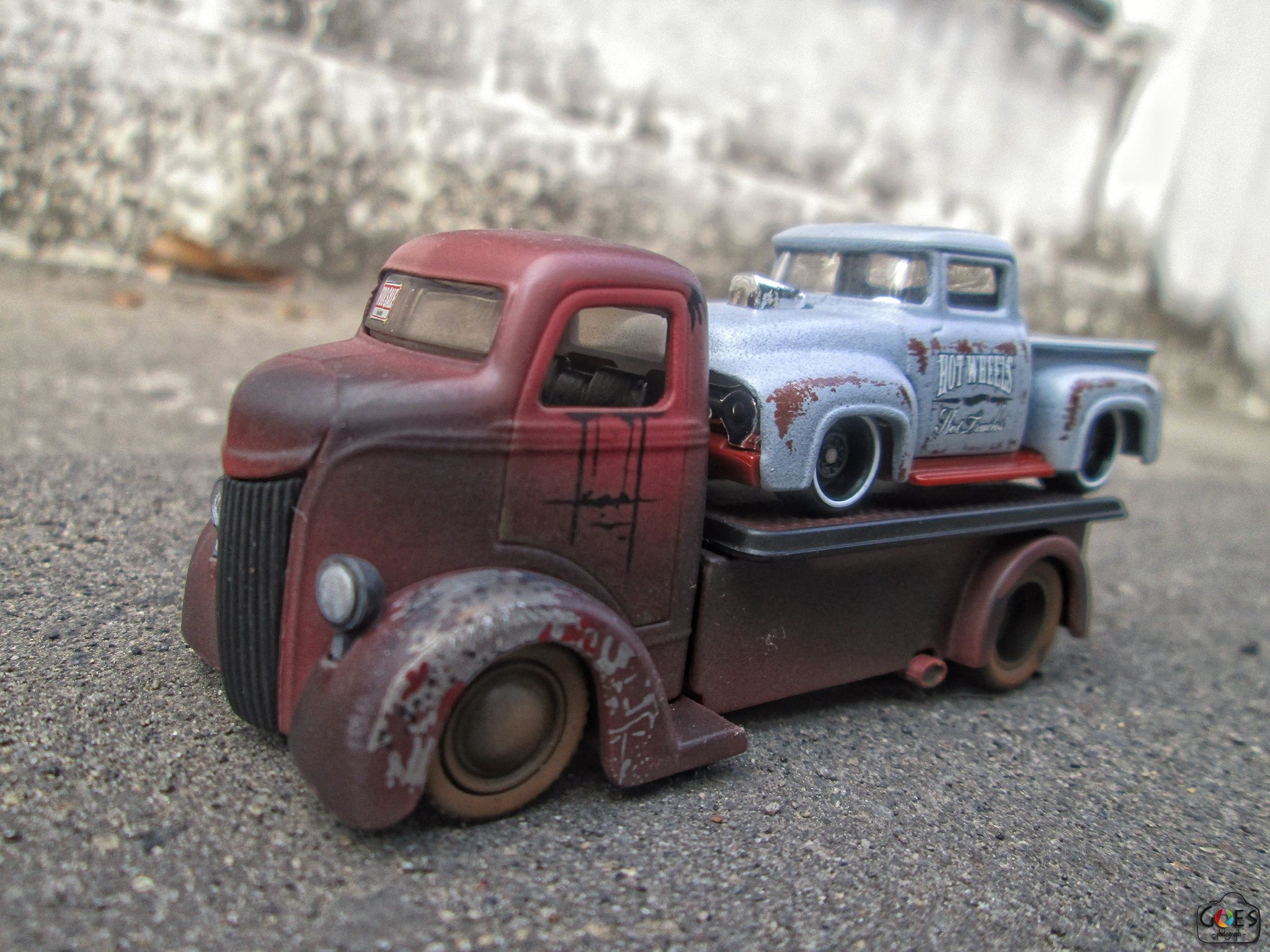 Rusty coe truck and rusty ford truck diecast photography rusty coe truck and rusty ford truck sciox Gallery