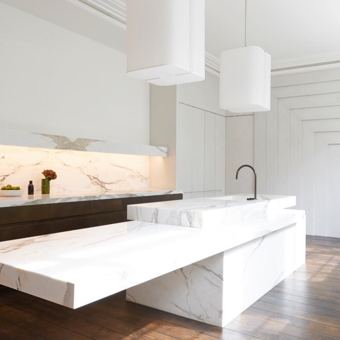 Kitchen Designed By Joseph Dirand Island Crowned By Brasilia S Pendants Ozone Light Kitchendesign Frenchconnection Hautecoutureofinter Kitchen Design Home Interior
