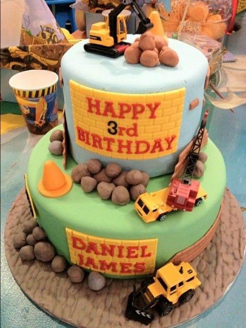 Construction cake Kids party decor Bugzplaypark Cape Town Cake