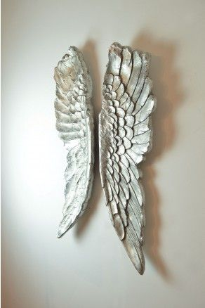 This beautiful set of angel wings would make for the perfect Christmas present for someone special this year. With free deliveries & a no quibble returns / exchange policy - how could you afford to say no?