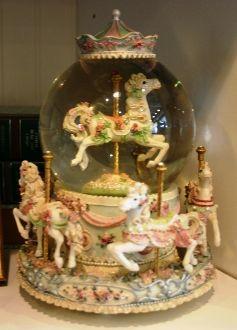 horse water globe