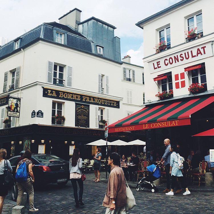"""264 Me gusta, 4 comentarios - Mariana Carletti Fotografa (@marianacarletti) en Instagram: """"Montmartre, Paris - Julio 2016 😍. Me encantaría vivir algún tiempito en ese barrio encantado 🙌🏻✨"""""""