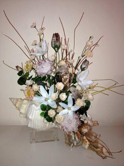 Victoria Ross Horse Conch The Base Shell Is About 13 Quot Flower Arrangement Took A 1st Place On