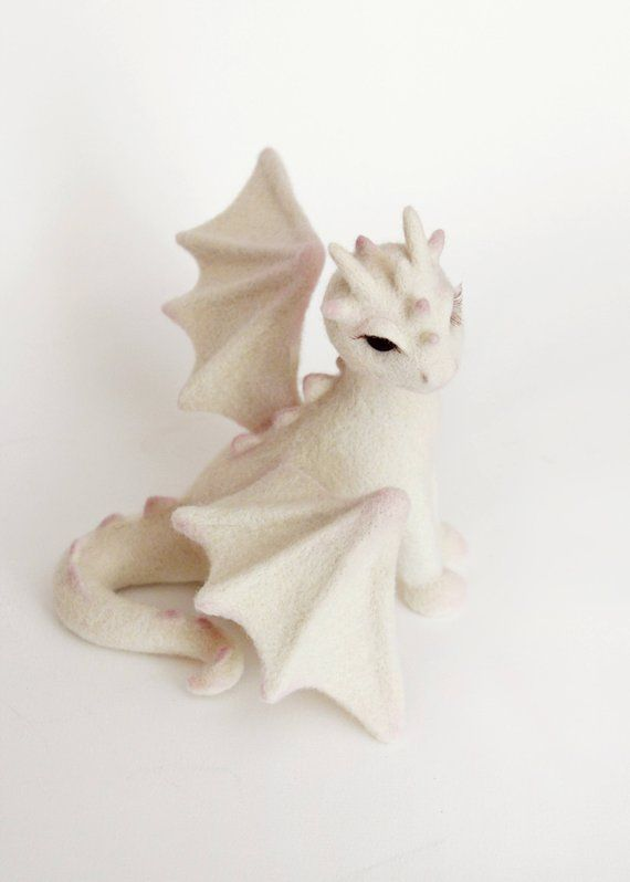 Needle felted dragon, game of thrones fan gift, geek decor, mystical creature, fantastic animal figurine, collectible fairy animal sculpture #feltdragon