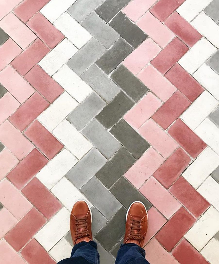 In a pink mood today #ihavethisthingwithfloors ...