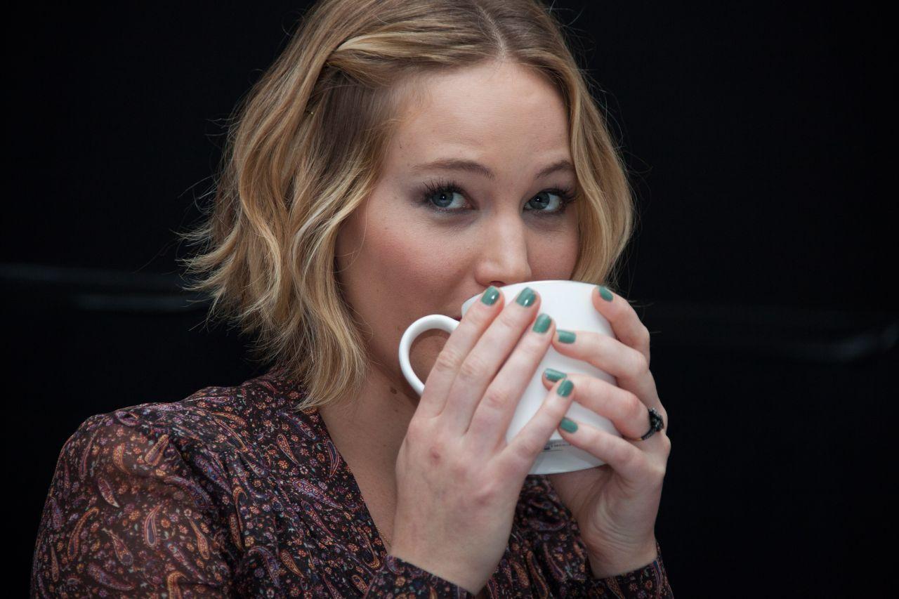 women, Jennifer Lawrence, Katniss Everdeen, science