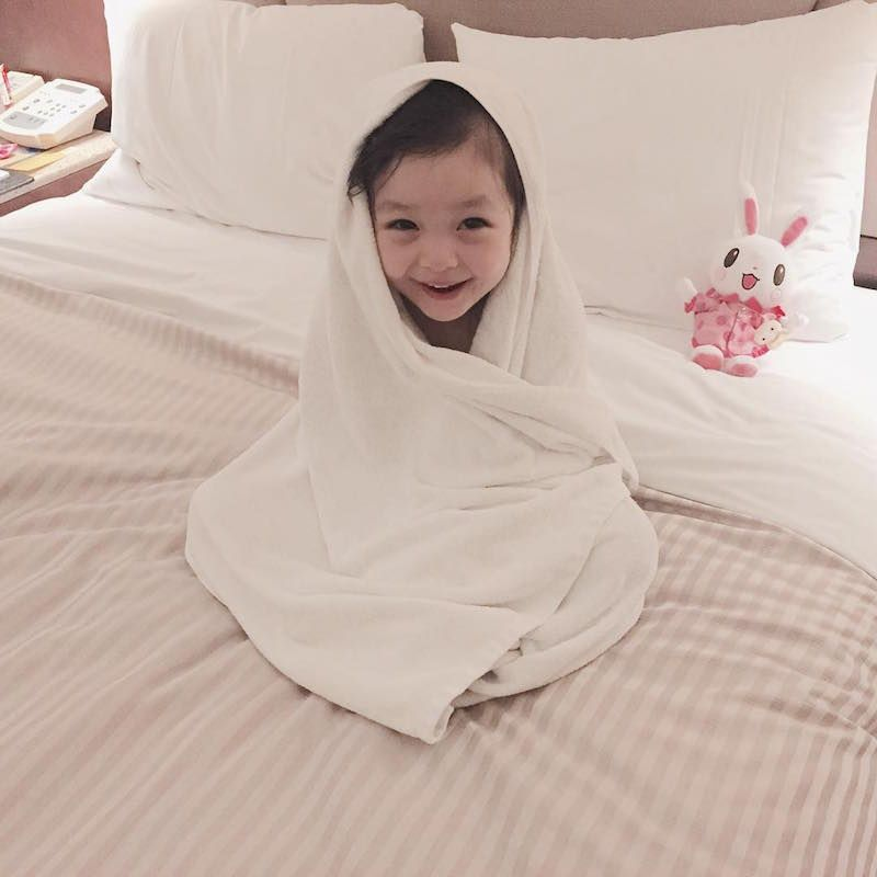 Why does this three-year-old Korean girl have almost 300,000 Instagram followers?