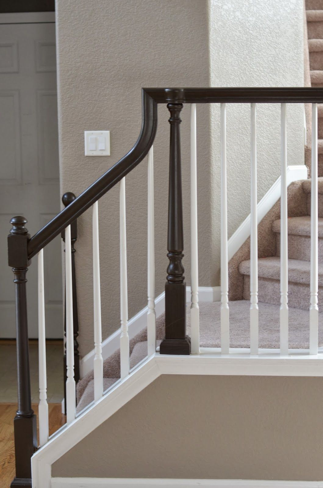 Best Painted Oak Railing So Much Easier Than Stripping 400 x 300