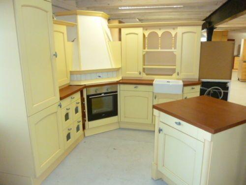 Einbauküche im Landhaus Stil, Sehr Aufwendig verarbeitet, Mais gelb ...