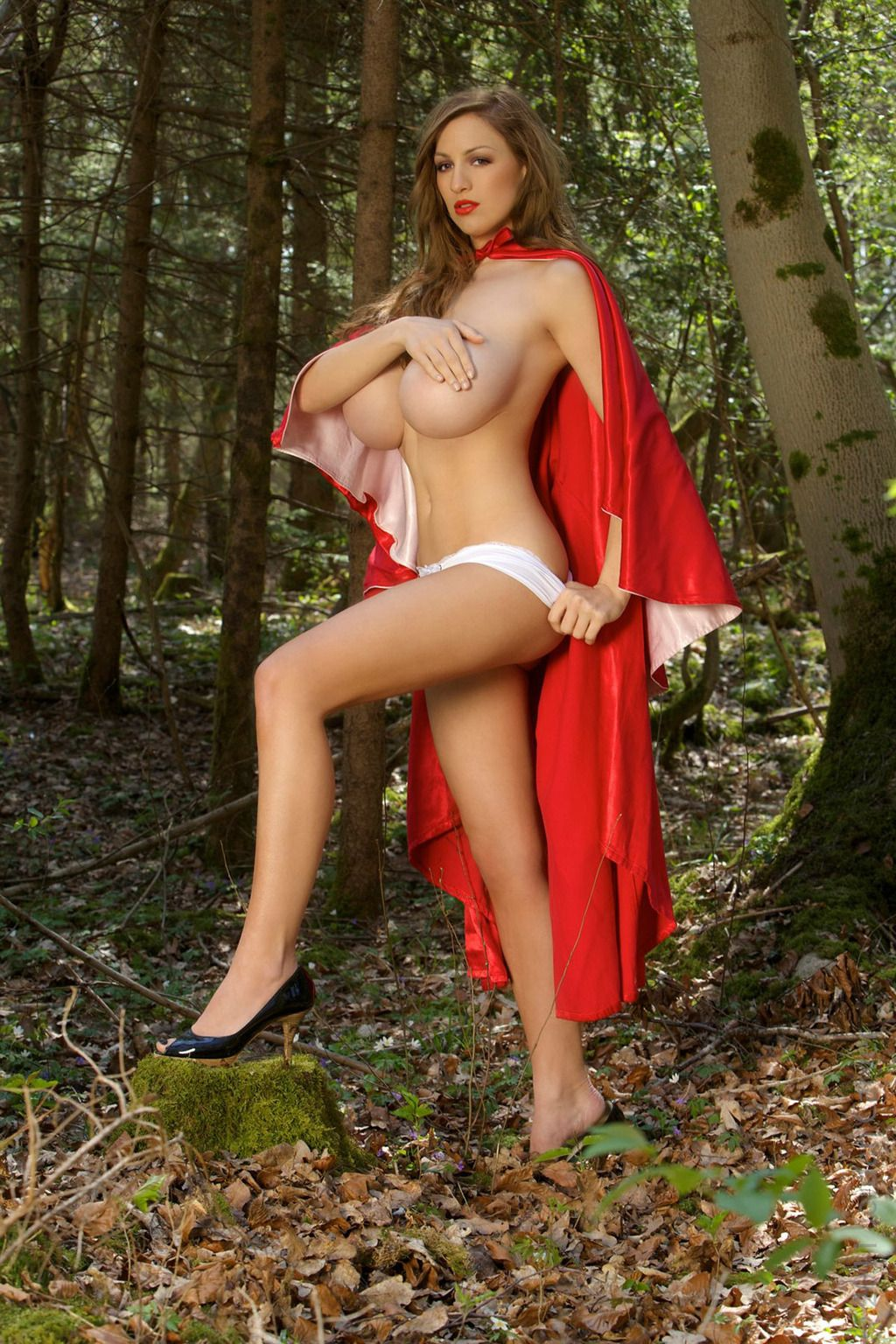 halloween-naked-little-red-riding-hood-sexy-nude-prank