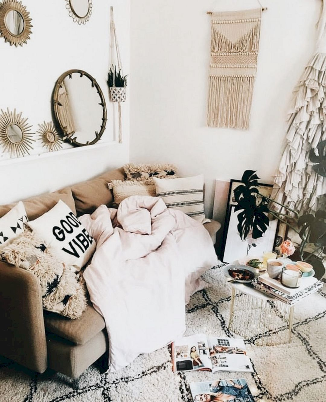 25 Awesome Shabby Chic Apartment Living Room Design And Decor