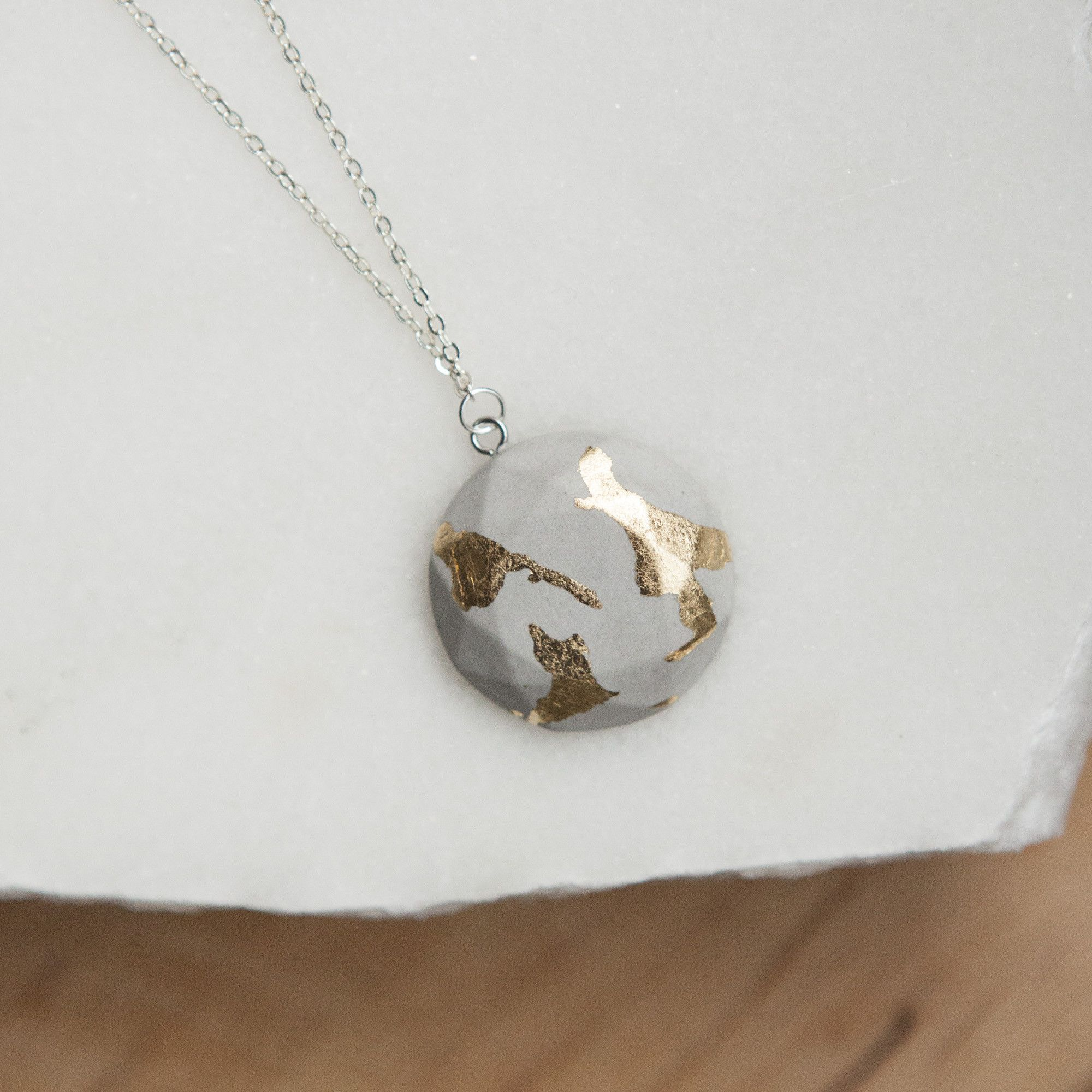 Concrete gold leaf circle necklace light products