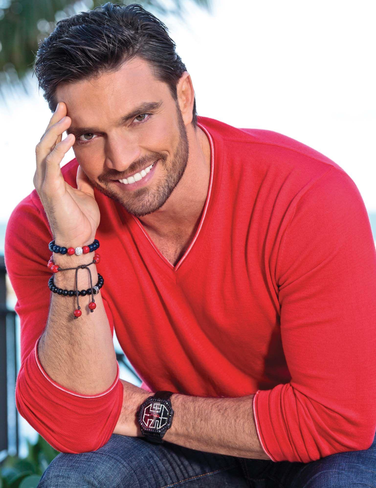 удивительные фото испанских красивых мужчин представители породы