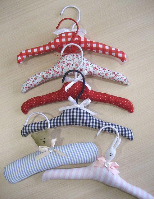 perchas forradas para bebé | Perchas decoradas, Percha para ropa y ...