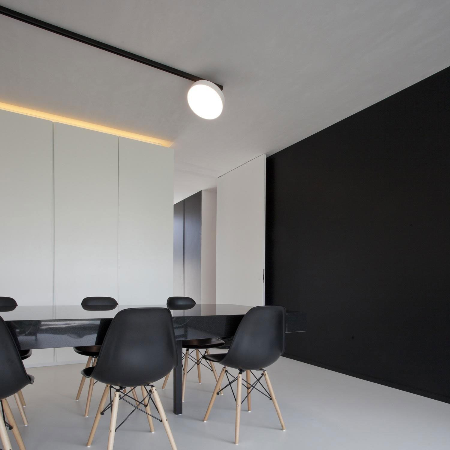 Appealing Veeckman Gelis house interior with Brick Wall Exterior #architecture #interior #freestandingbathroom #contemporarydiningtable find out more pictures here: http://reizco.com/appealing-veeckman-gelis-house-with-brick-wall-exterior-design/