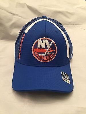 3d0c00fcf99 NHL New York Islanders Adult Reebok Small Medium Flex Fit Hat
