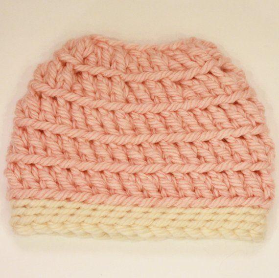 Messy Bun hat pattern 'Love it' Messy Bun Hat Toboggan hat crochet pattern, Pony tail hat crochet pattern, Messy bun beanie - Teen / Adult #messybunhat