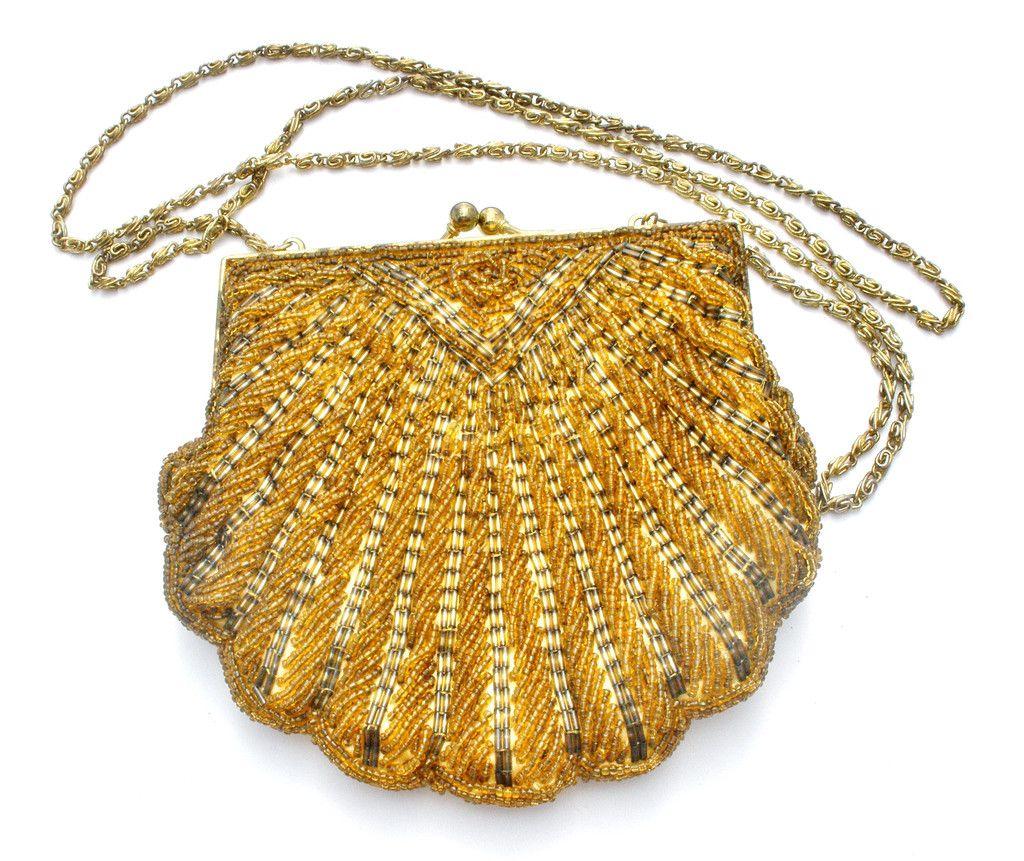 La Regale Ltd Golden Clamshell Scalloped Beaded Purse