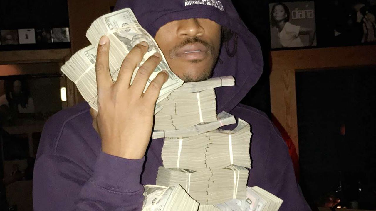 Future Flexing A Million Cash Thanks DJ Khaled Son