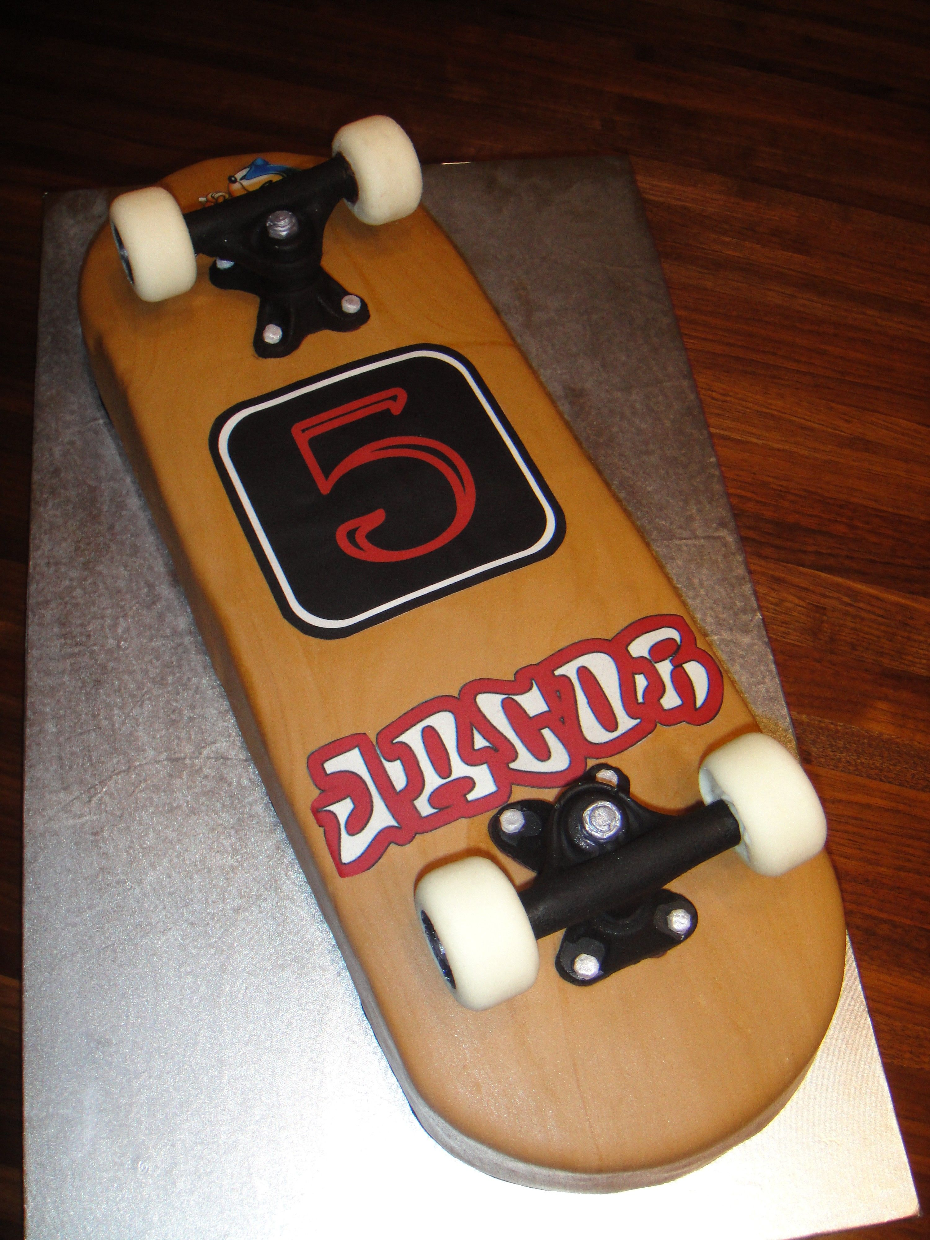 Awesome Skateboard Cake With Images Skateboard Cake Cupcake Cakes Funny Birthday Cards Online Elaedamsfinfo