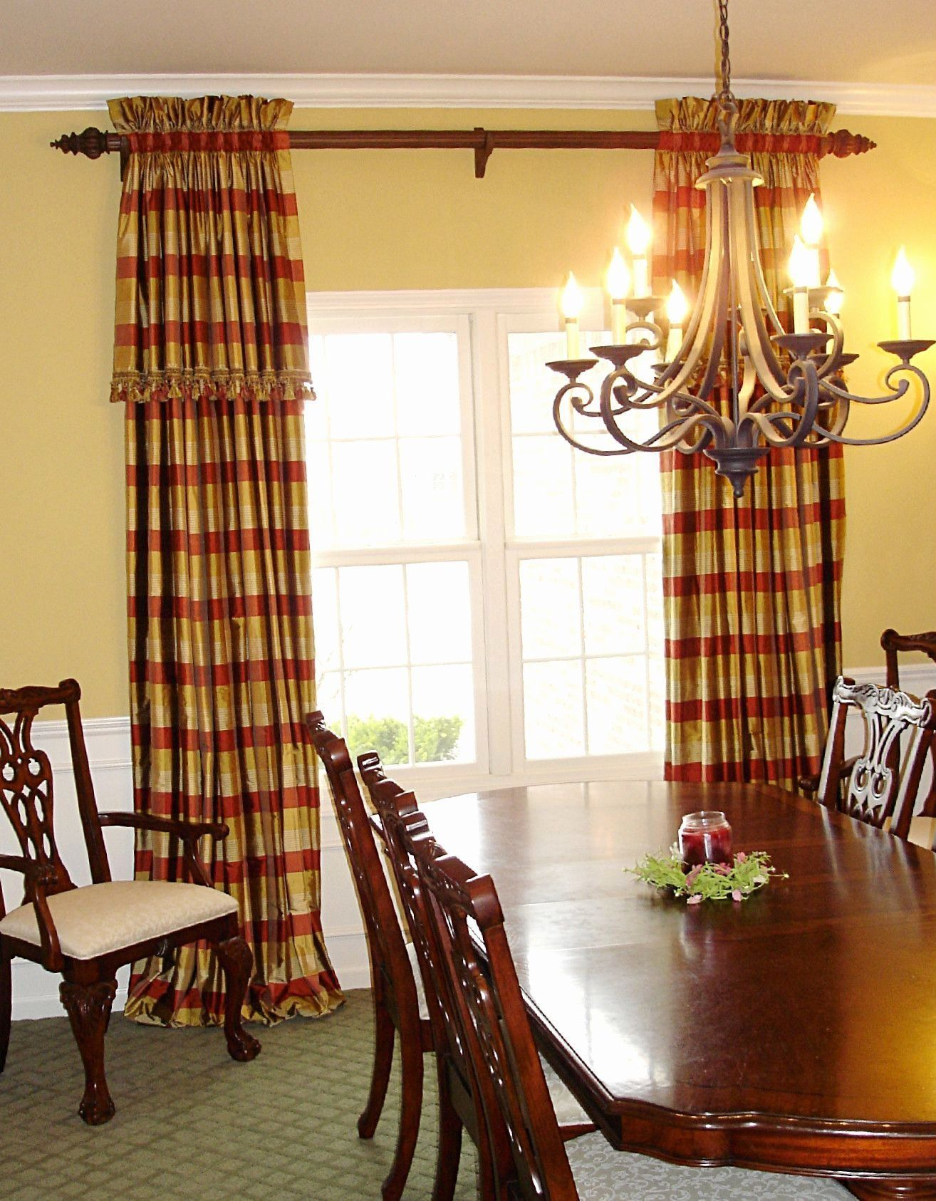 Casual Dining Room Window Treatments Best Of Elegant Dining Room Draperies Casua Elegant Dining Room Dining Room Window Treatments Stylish Living Room