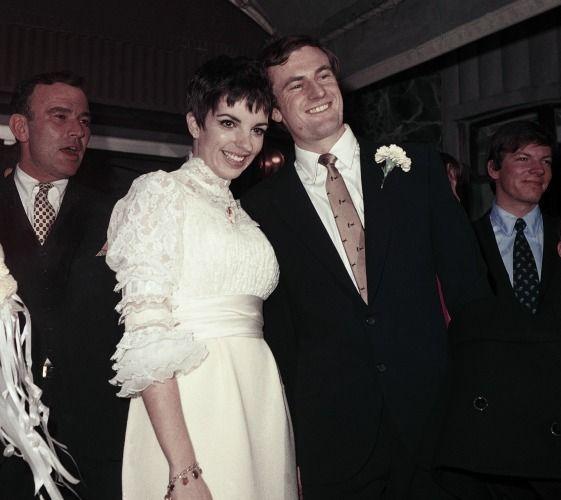 Liza Minnelli PF 561x500