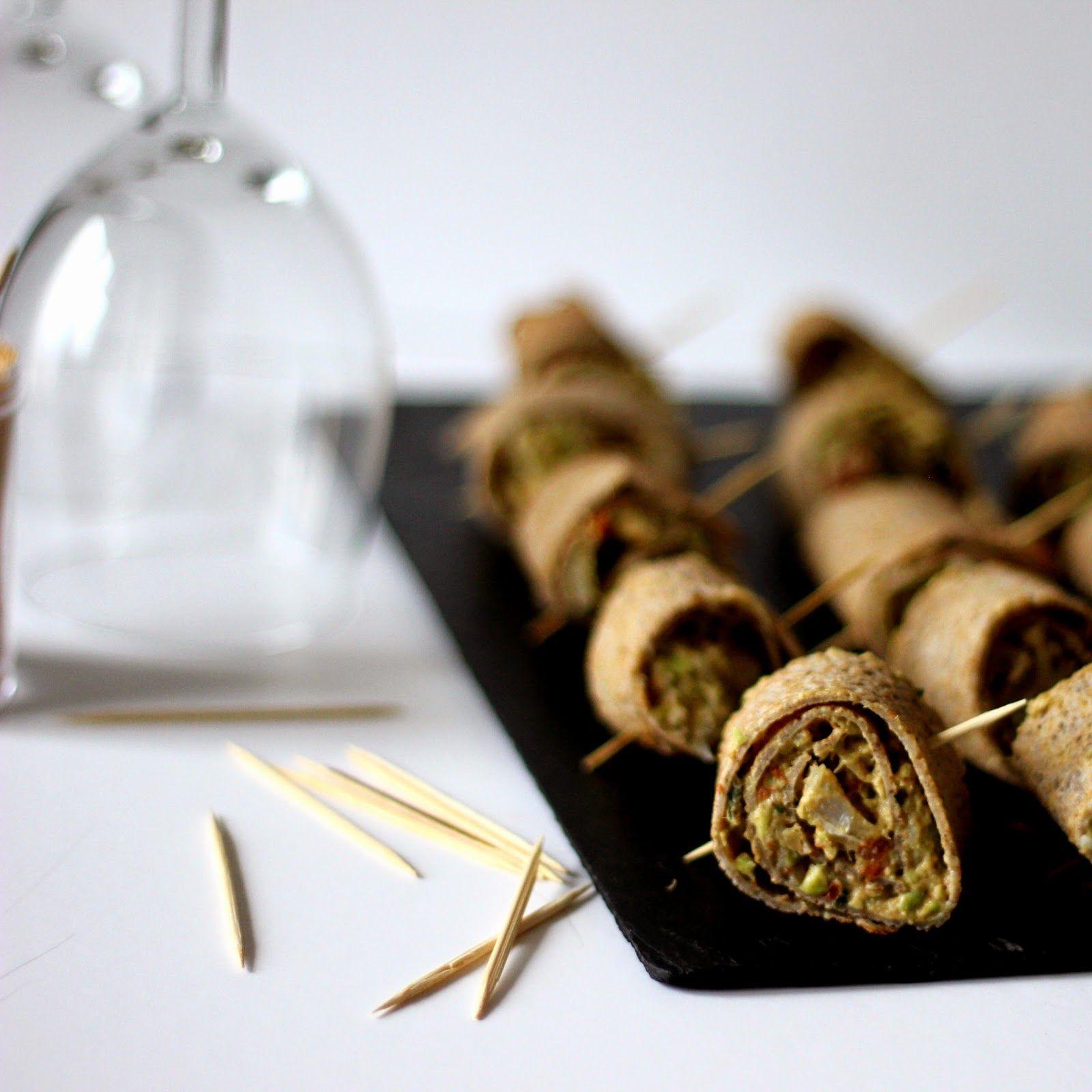 Comme une envie de roulés de crêpes blé noir, avocat & merlu fumé ... idéal pour l'apéro :) http://le-miam-de-ninou.blogspot.com/2015/01/roules-de-crepes-de-ble-noir-au-merlu.html …