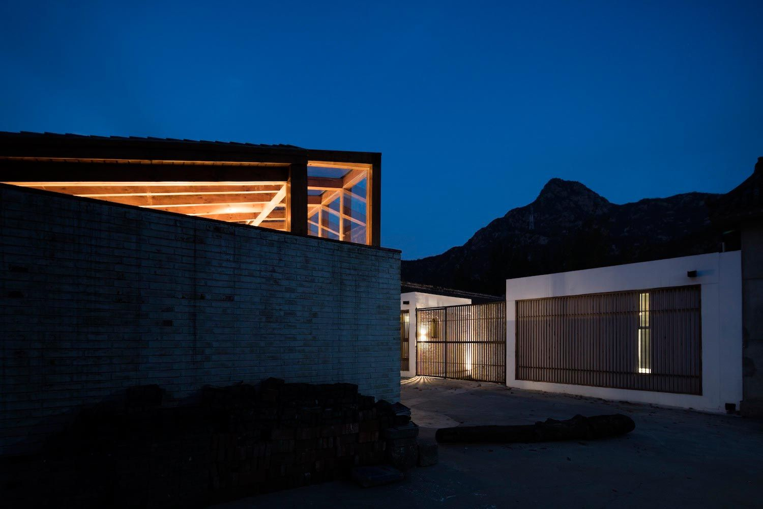 Gentle atmosphere for guests of a house that lies one hour\'s drive ...