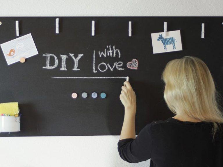 diy anleitung magnetisches blackboard selber bauen via more blackboards office. Black Bedroom Furniture Sets. Home Design Ideas