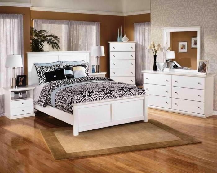 15 Amazing Bedroom Designs With Wood Flooring Rilane White Bedroom Set Bedroom Sets Queen White Bedroom Set Furniture
