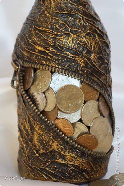 con monedas