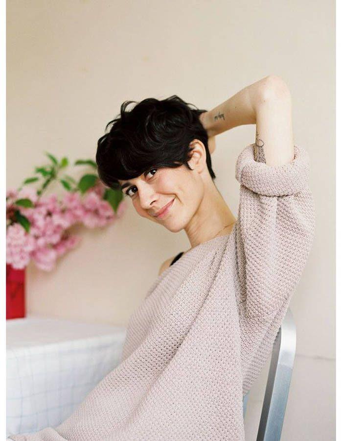 coupe courte sur cheveux flous hiver coupes courtes. Black Bedroom Furniture Sets. Home Design Ideas