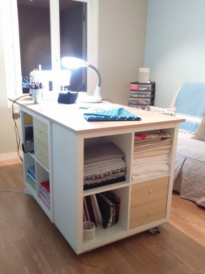 Table De Travail Pour Les Loisirs Creatifs Assemblage Maison Modules Ikea Visible Sur La Page Facebook Crea Cia Craft Room Sewing Room Sewing Rooms