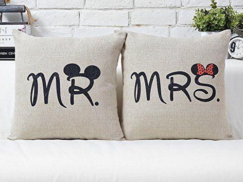 Pin By Jenni On Disney Kissenbezuge Kissen Geschenke