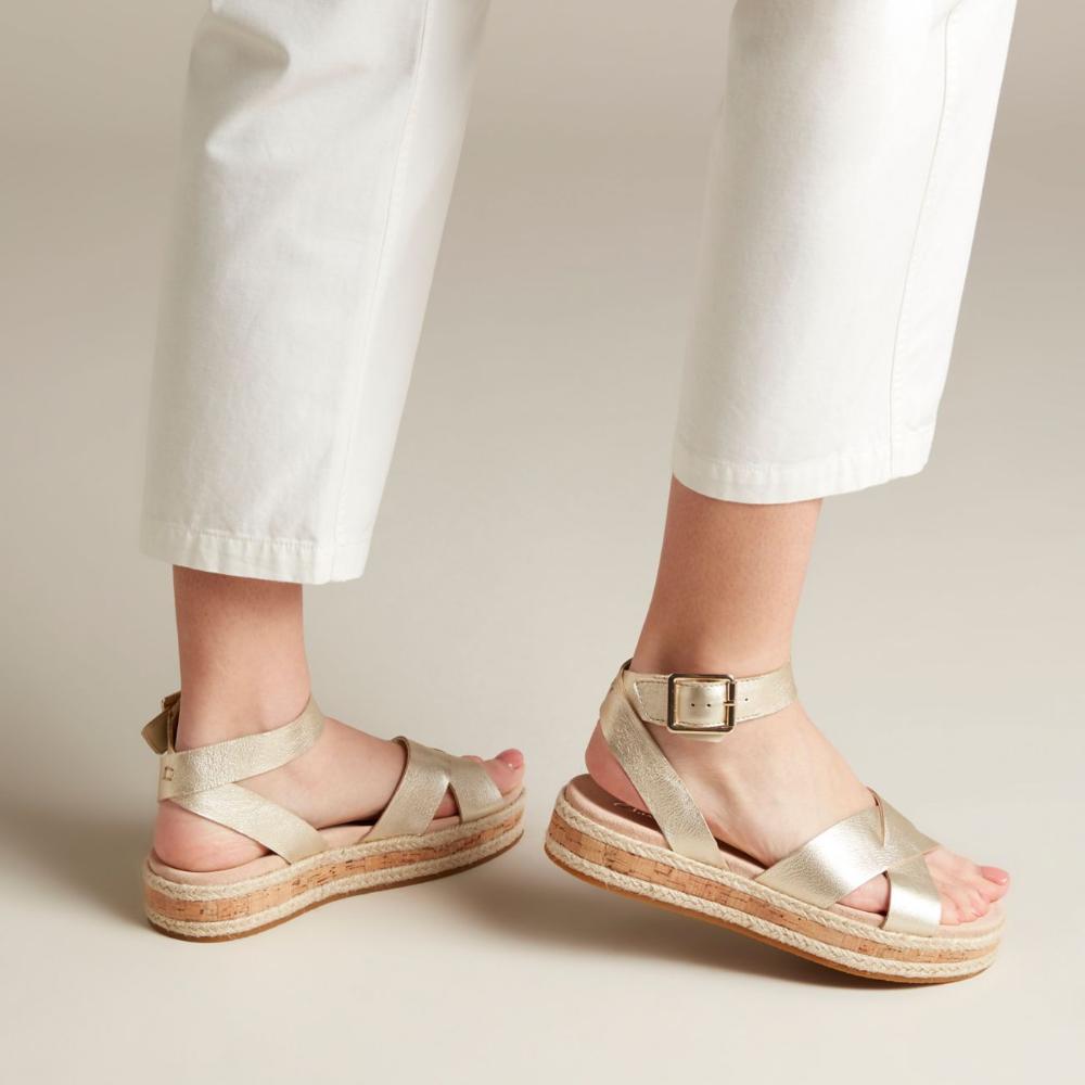Womens sandals, Suede heels