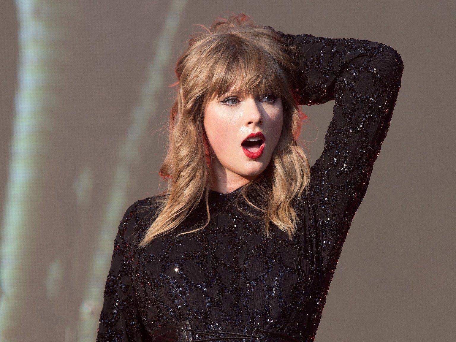 Pin By Matt Da Geek On Taylor Swift Taylor Swift Album Taylor Swift Taylor Alison Swift