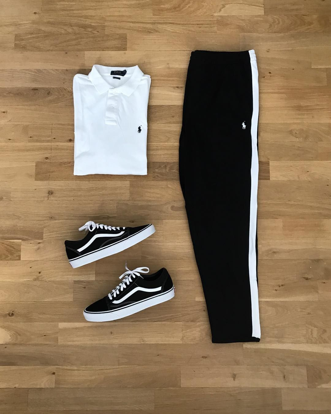 "@daily fashiondose on Instagram ""Black & White @poloralphlauren x @vans outfitinspiration      ⚪️⚫️⚪️⚫️⚪️⚫️⚪️⚫️⚪️⚫️⚪️⚫️ Do you think this combo works 💪🏼  "" is part of Streetwear outfit - 174 Likes, 3 Comments  @daily fashiondose on Instagram ""Black & White @poloralphlauren x @vans outfitinspiration      ⚪️⚫️⚪️⚫️⚪️⚫️⚪️⚫️⚪️⚫️⚪️⚫️ Do you…"""