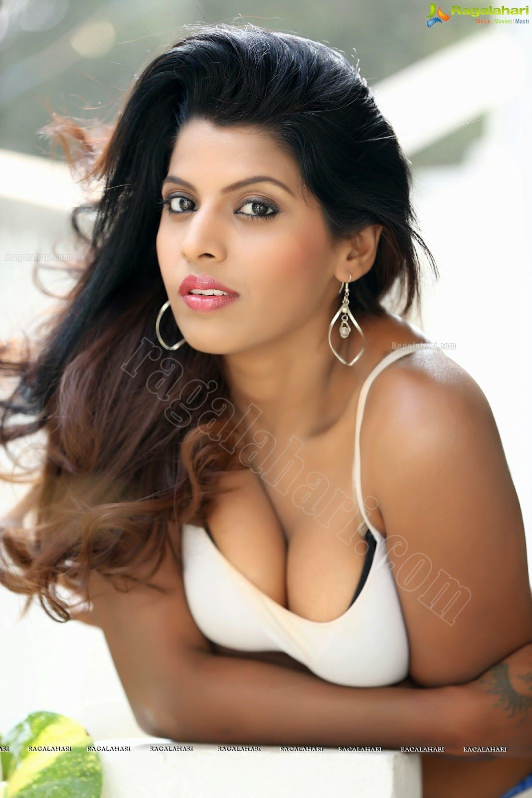 manisha-hot-nude-girl-sexy-naked-ass-flash-women