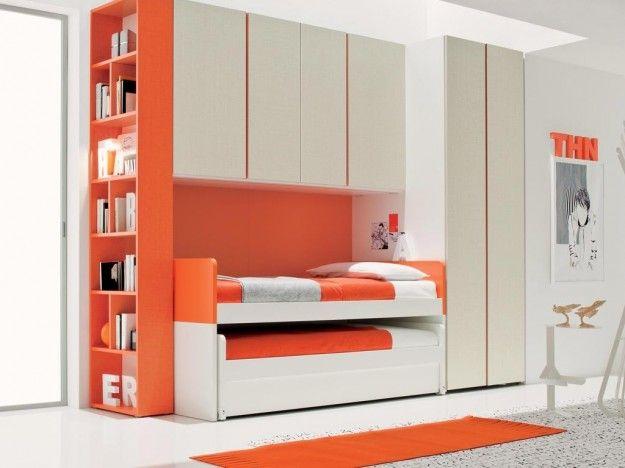 Colori camera da letto bambini - Pareti arancio e bianco
