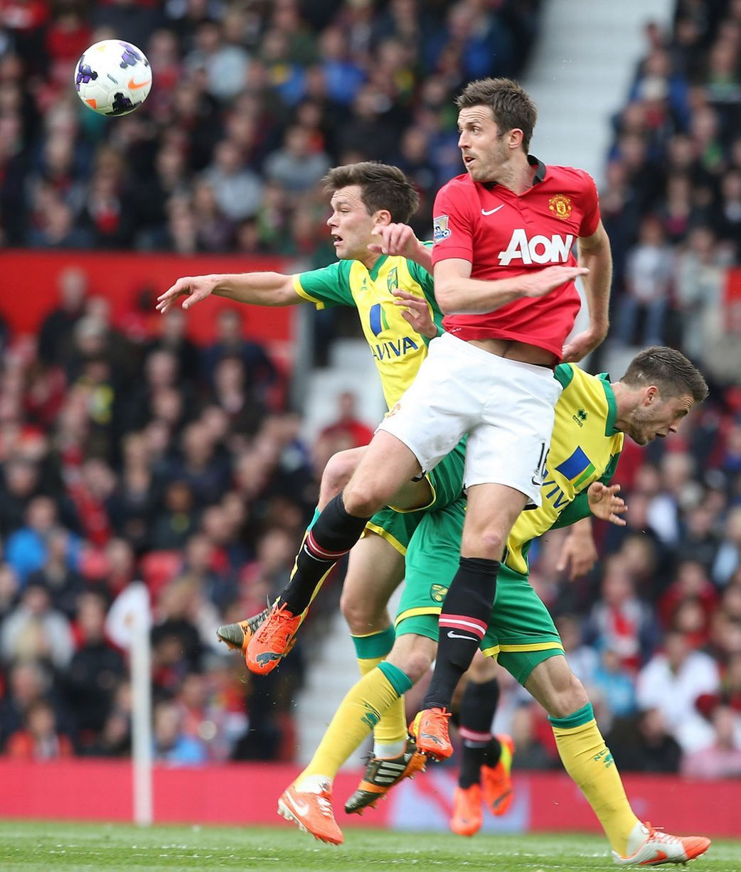 Man United 4 0 Norwich Red Devils Record Easy Win As Ryan Giggs Makes Managerial Bow Man United Michael Carrick The Unit