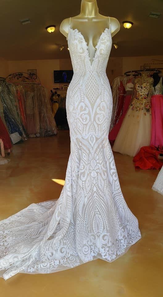 Preciosos vestidos de novia de encaje con cuello en V de sirena  – Boda