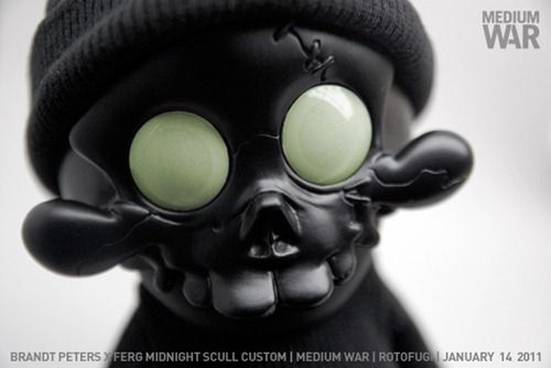 ferg-medium-war-vinyl-toys-1.jpg 500×334 pixels