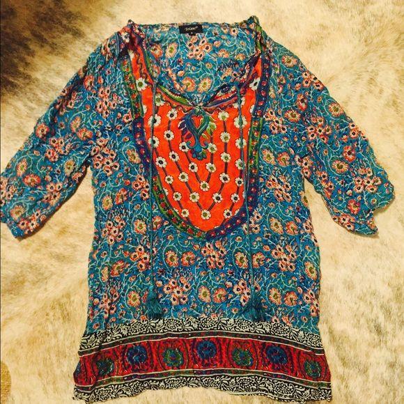 Tolani tunic Tolani colorful tunic with neckline the closure with tassel accents. Size small Tops Tunics