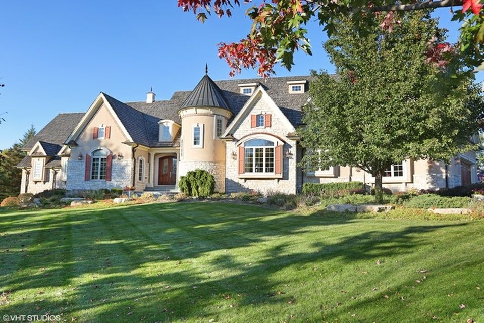 Check Out Photos Of Inverness Illinoiss Top 10 Most Expensive