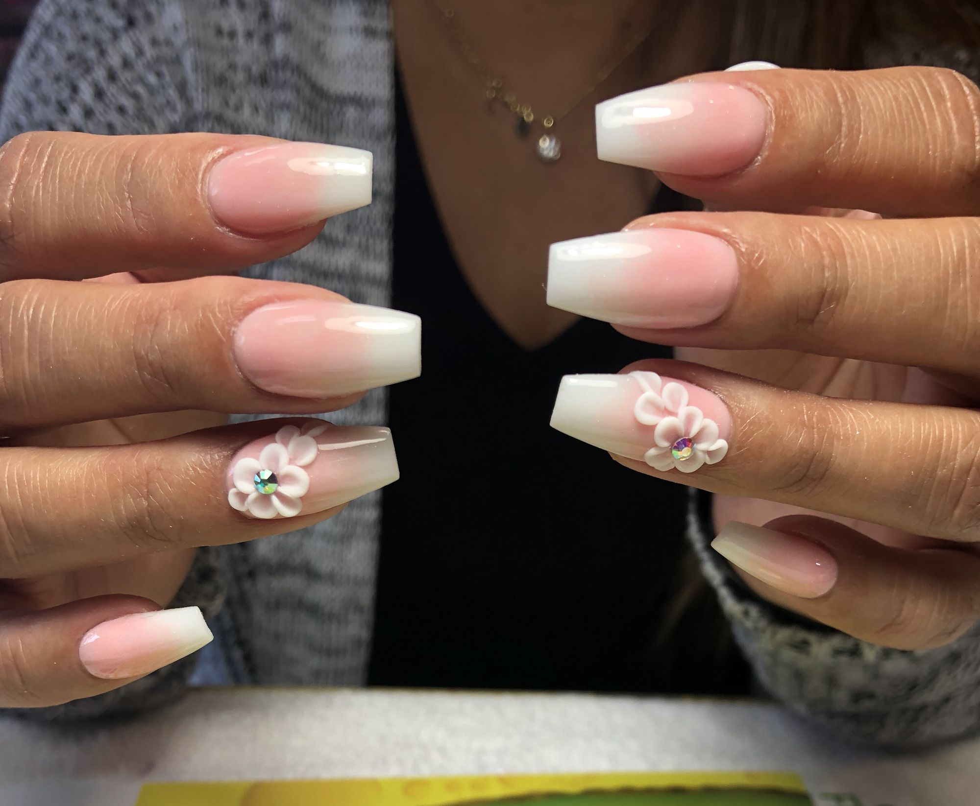 Pink And White Ombre Coffin Nails With Flower Design Flower Nail Designs Pink Ombre Nails Rose Gold Nails Acrylic