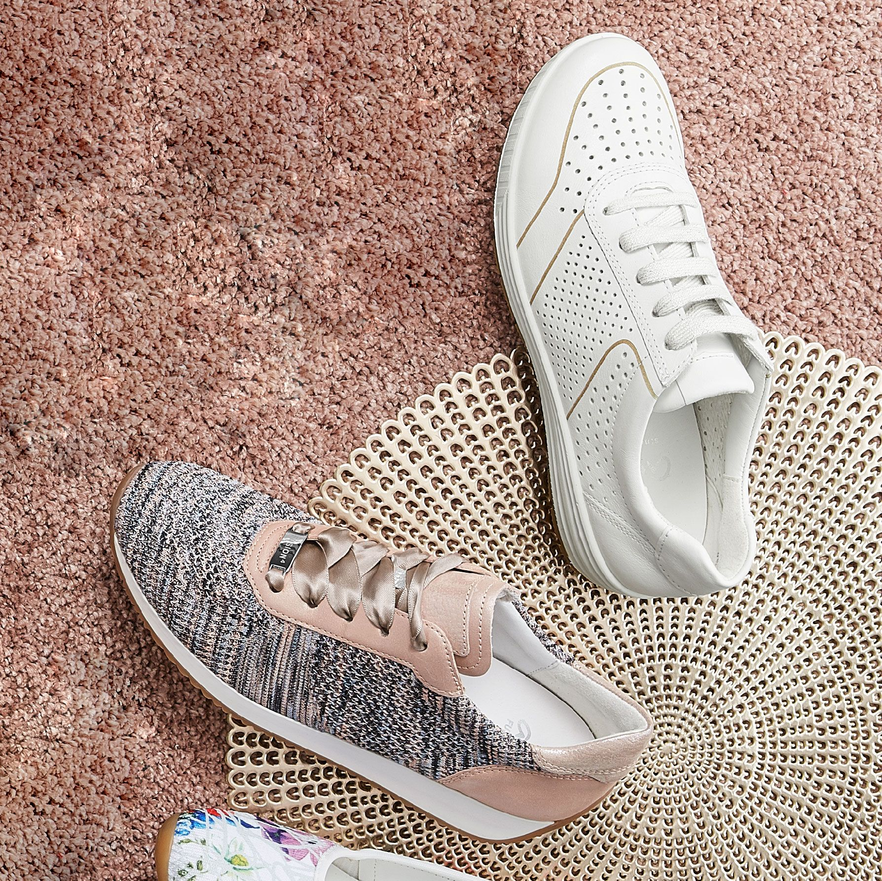 fresh sneakers suitable for orthotics