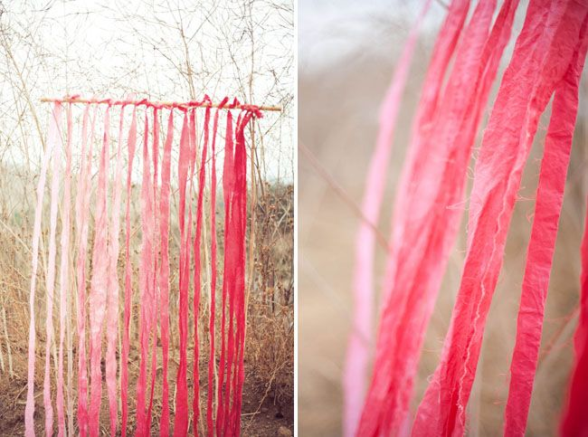 cortinas artesanales con tiras de tela tintadas