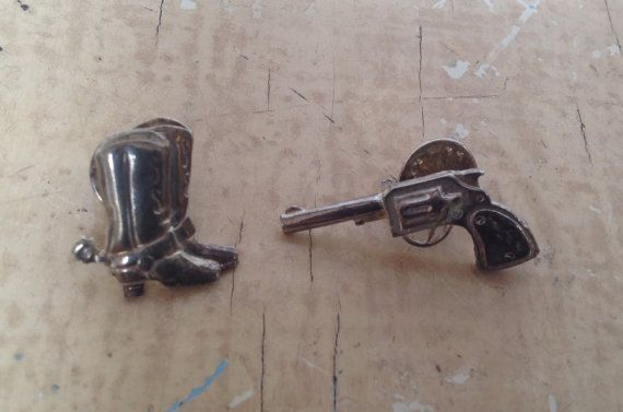 SOLD Vintage country & western pin brooches : gun and by karmolijntje SOLD