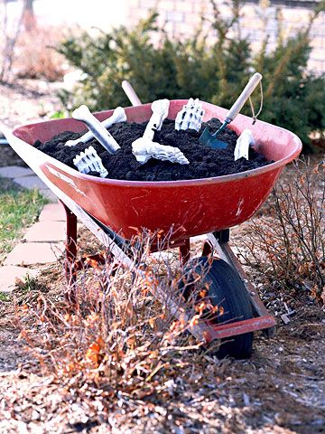 Eerie Outdoor Halloween Decorations Outdoor halloween decorations - how to make halloween decorations for yard