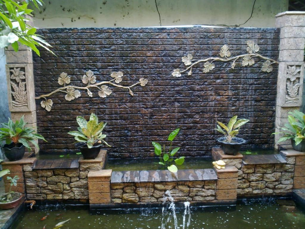 Attractive Outdoor Waterfall Wall | Home and Garden Ideas ...